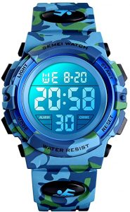 Kids Digital watch for Outdoors Sports by Dayllon